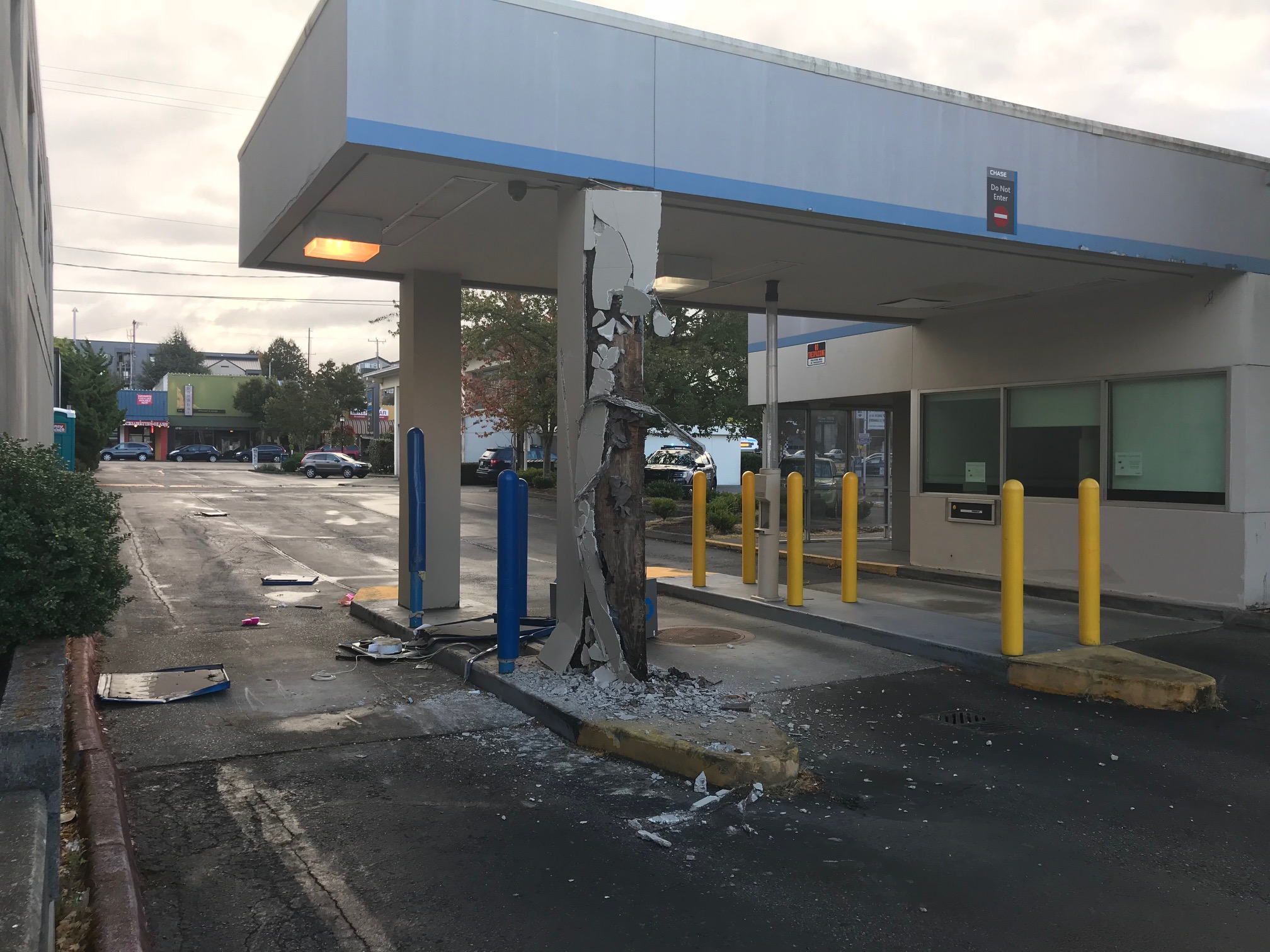 WEST SEATTLE CRIME WATCH: Junction Chase drive-up ATM stolen
